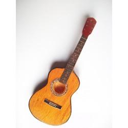 Magnet en forme de guitare...