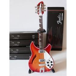 Guitare miniature 12 cordes...