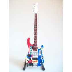 Guitare basse miniature...