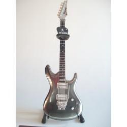 Guitare miniature Ibanez JS...